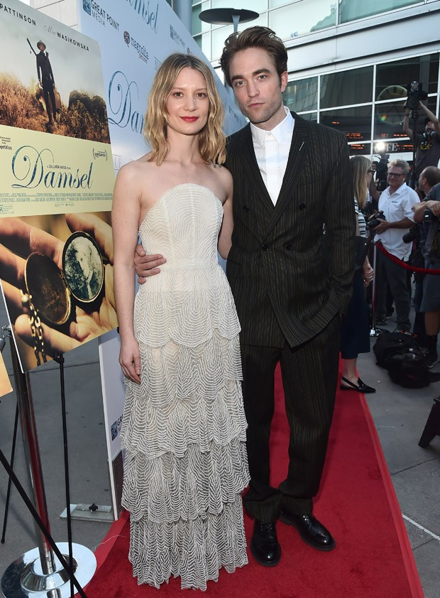 Mia Wasikowska e Robert Pattinson (Foto: Getty Images)