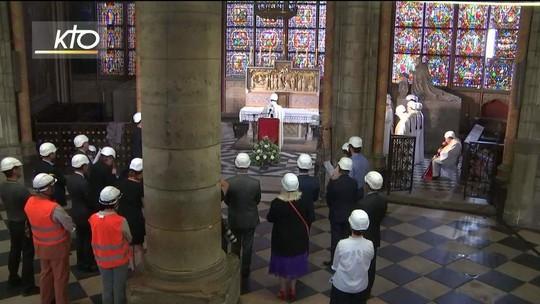 Catedral de Notre-Dame tem primeira missa celebrada após incêndio