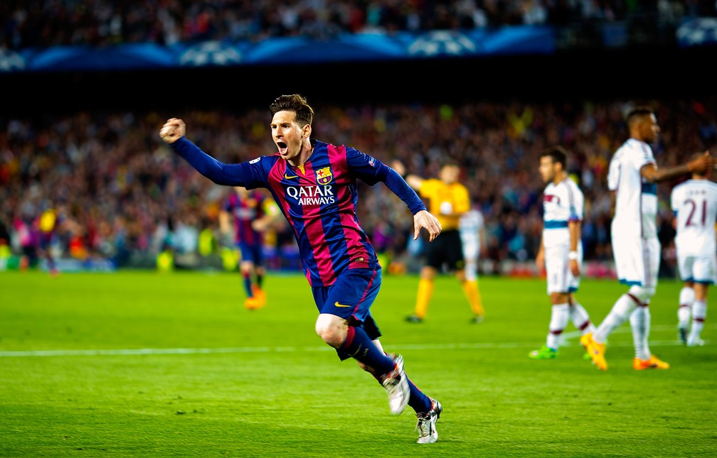 Messi, com Boateng ao fundo, na semifinal inesquecível entre Barcelona e Bayern em 2015 — Foto: Getty Images