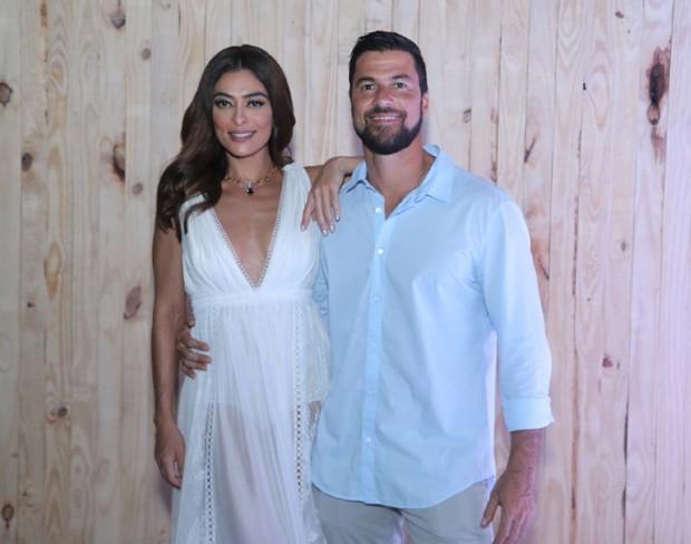Juliana Paes e Carlod Eduardo Baptista (Foto: Daniel Pinheiro/AgNews)