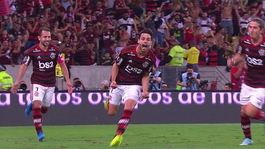 Rodrigo Caio cabeceia para marcar o quinto gol rubro-negro