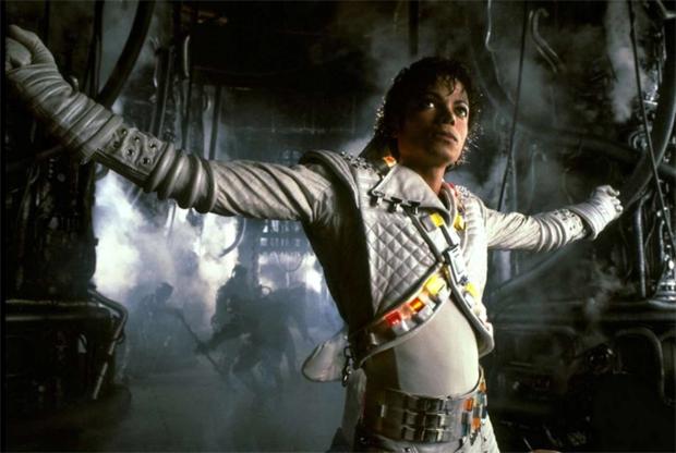 Michael Jackson em Captain EO: figurino inspirou a roupa de Xuxa no filme (Foto: Reprodução)