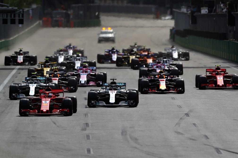Vettel largou bem e manteve a primeira posição em Baku (Foto: Getty Images)