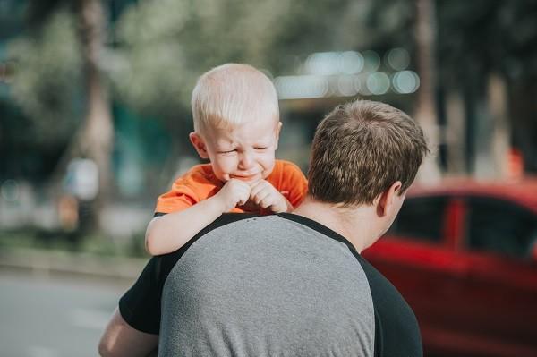Você parabeniza seu filho, quando ele diz a verdade, mesmo que seja algo que você não queira ouvir? (Foto: Pexels/ Ba Phi)