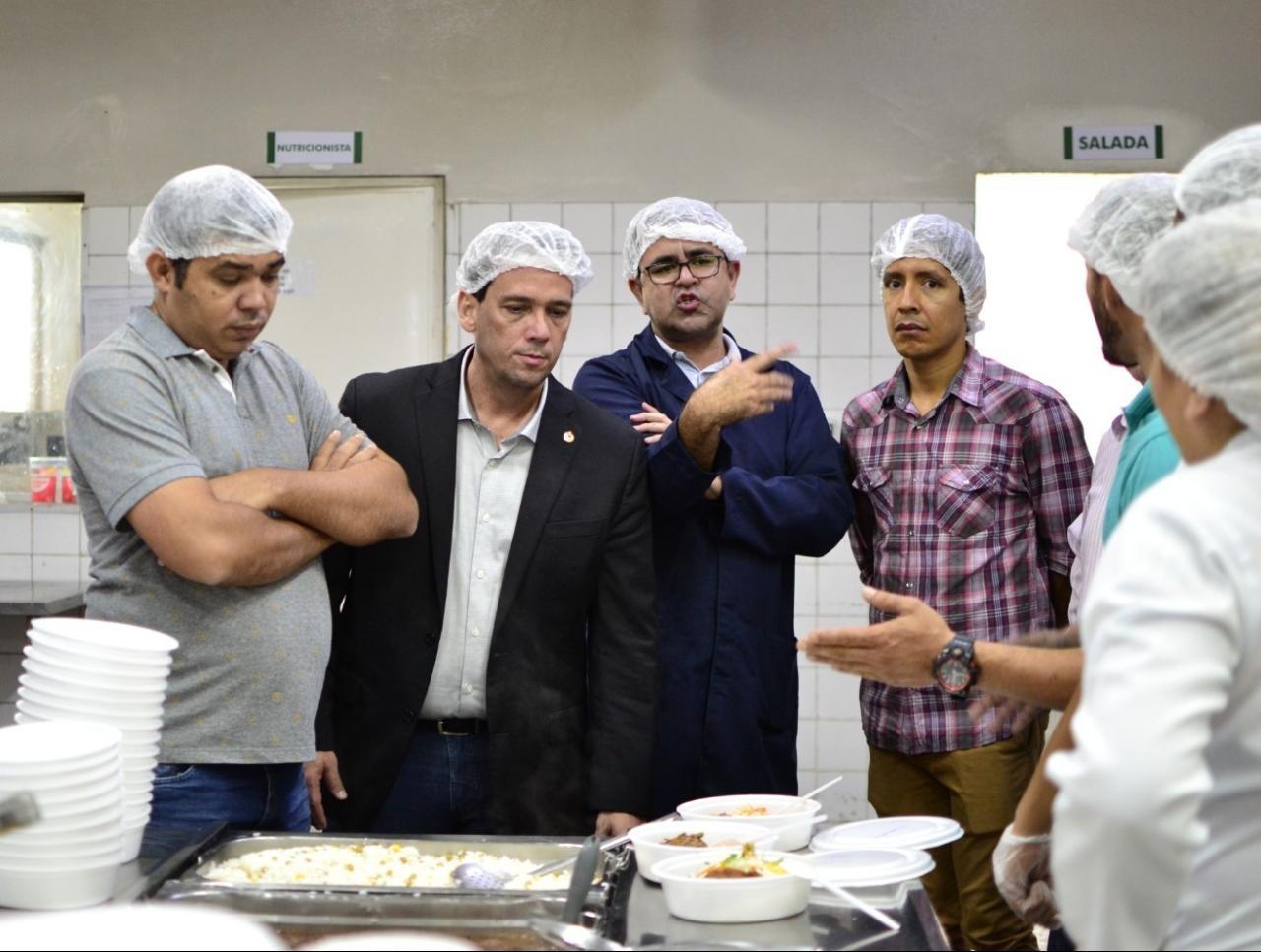 CPI da Saúde vistoria Hospital Geral de RR e confere produção de comida servida a pacientes - Notícias - Plantão Diário