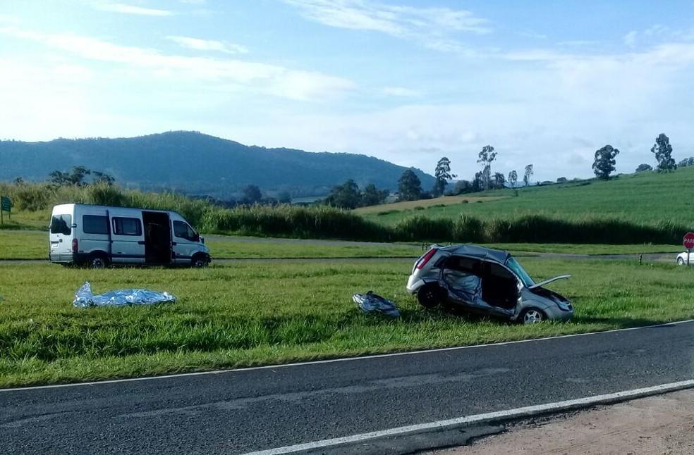 Acidente entre carro e van deixa uma jovem de 23 anos morta, em Tapiratiba (Foto: Arquivo pessoal)