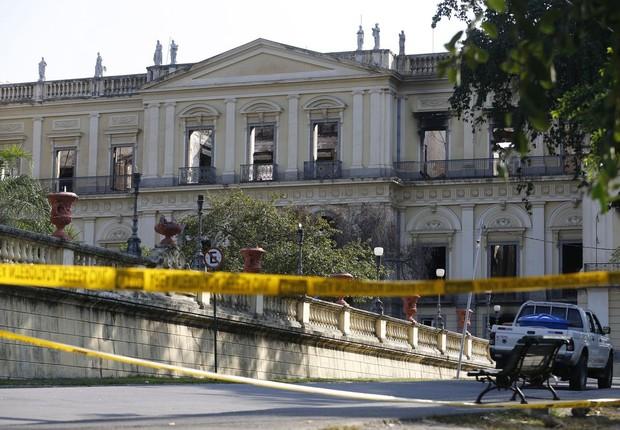Técnicas de arqueologia e paleontologia serão empregadas para recuperar os fragmentos do Museu Nacional (Foto: Fernando Frazão/Agência Brasil)