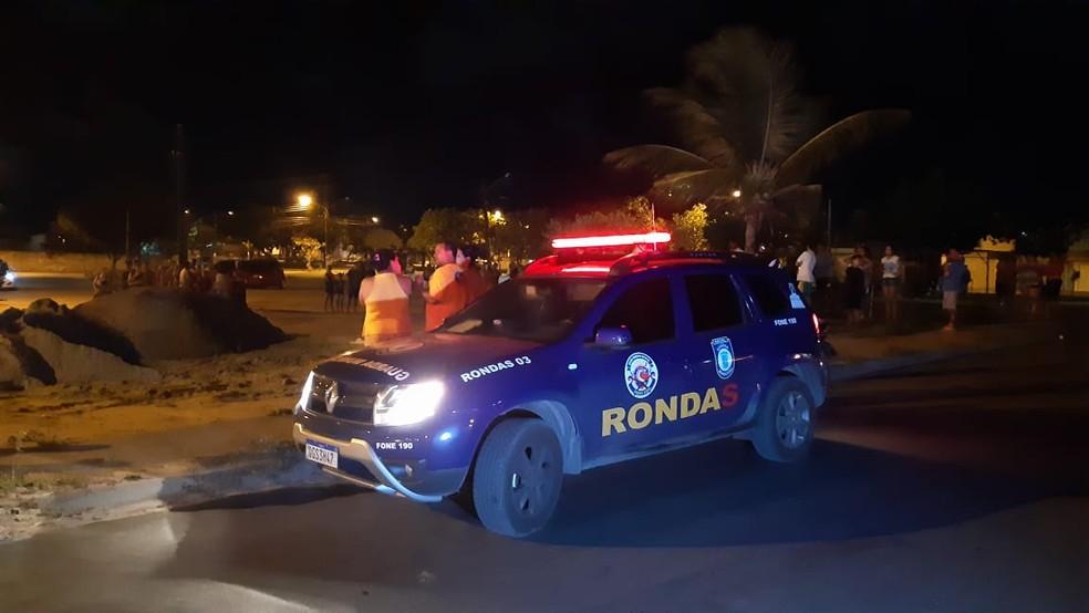 Guardas municipais que faziam ronda no local foram chamados por testemunhas — Foto: Sérgio Henrique Santos/Inter TV Cabugi