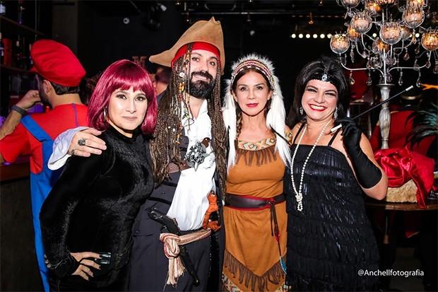 Aline Leite, Danilo Ambrosano, Dulce e  Paula Mello (Foto: Anchell Fotografia/ Divulgação)