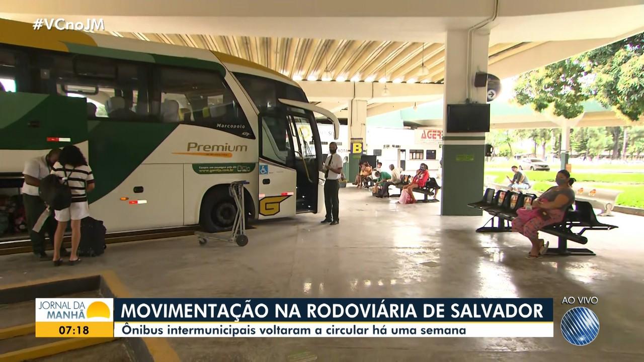 Saiba como está o movimento na rodoviária e no terminal de São Joaquim no início desta 2ª