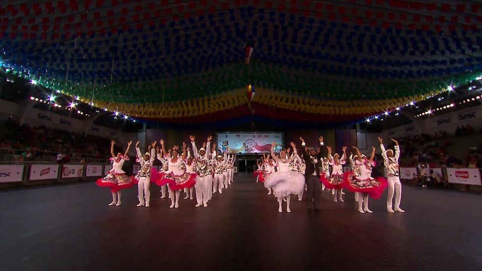 A Quadrilha Brilho de Ouro se apresentou no Festival de Quadrilhas Juninas da Globo 2018, na quarta-feira (13), em Goiana (Foto: Reprodução/TV Globo)