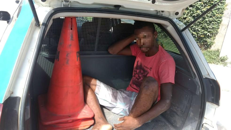 Suspeito foi preso em Porto Seguro, na Bahia (Foto: Divulgação / PRE)