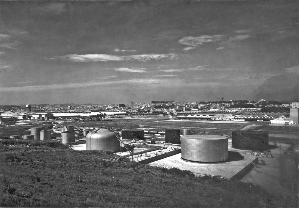 Terreno negociado para implantação do Parque da Mooca pertenceu à Esso durante a segunda metade do século 20. Foto: Acervo/IBGE