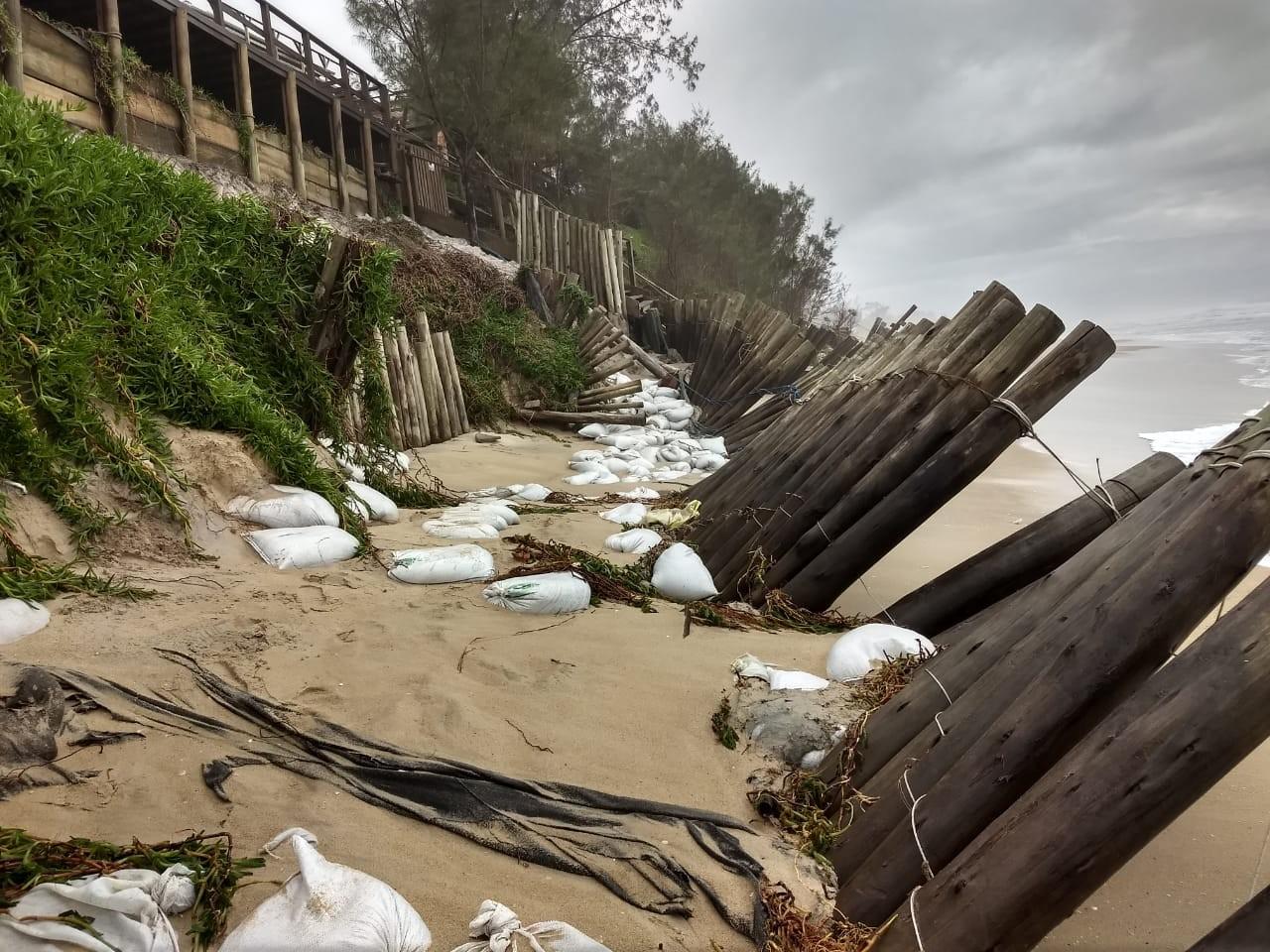 Mar agitado causa estragos em praias de Florianópolis e do Norte de SC; FOTOS - Notícias - Plantão Diário