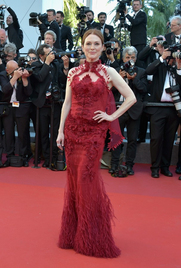 "CANNES, FRANCE - MAY 17:  Actress Julianne Moore attends the ""Ismael's Ghosts (Les Fantomes d'Ismael)"" screening and Opening Gala during the 70th annual Cannes Film Festival at Palais des Festivals on May 17, 2017 in Cannes, France.  (Photo by Pascal Le S (Foto: Getty Images)"