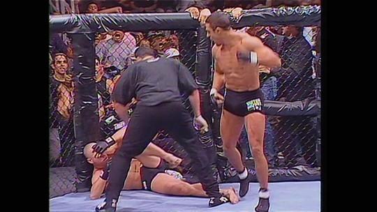 SporTV 2 e Combate exibem especial sobre os 20 anos do primeiro UFC no Brasil nesta terça