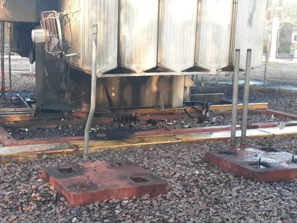 -  Incêndio causa interupção em fornecimento de energia  Foto: Celpa