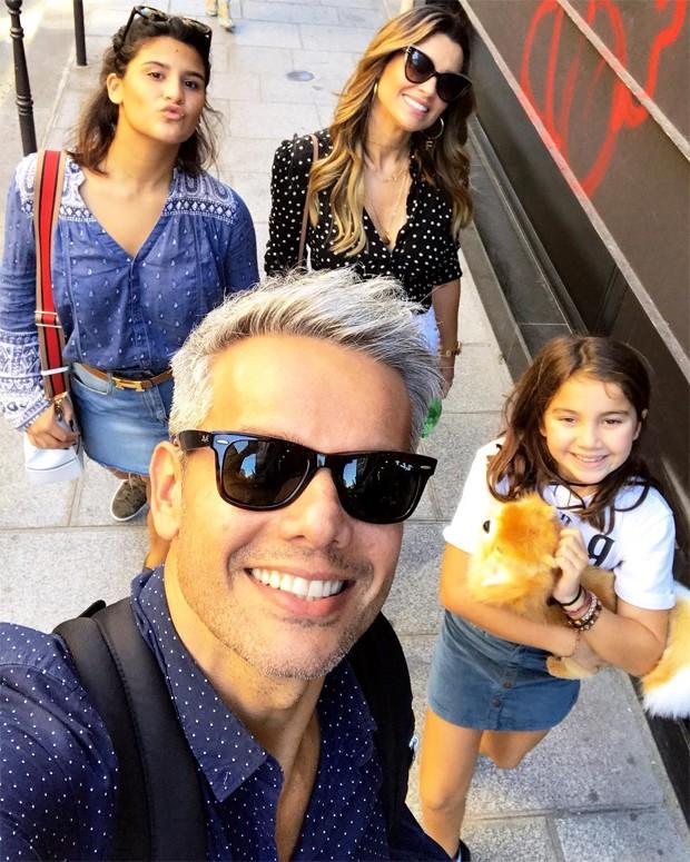 Otaviano Costa, Flavia Alessandra, Olivia e Giulia (Foto: Reprodução/Instagram)