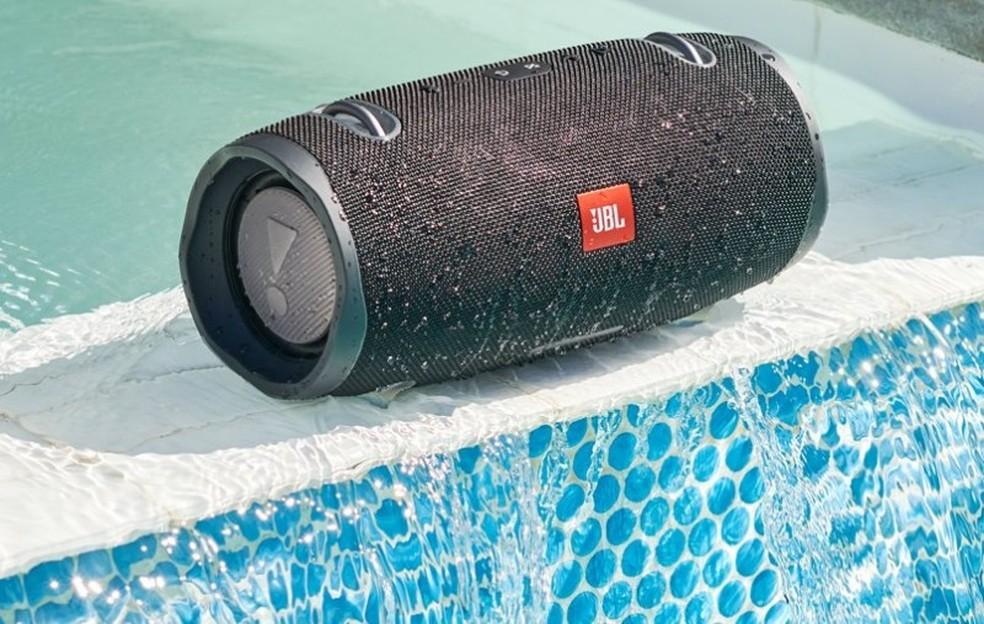 JBL Xtreme 2 original é resistente à água  — Foto: Divulgação/JBL