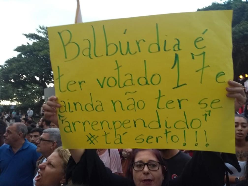 Florianópolis (SC) - Protesto contra bloqueios na educação — Foto: Leonardo Thomé/NSC TV