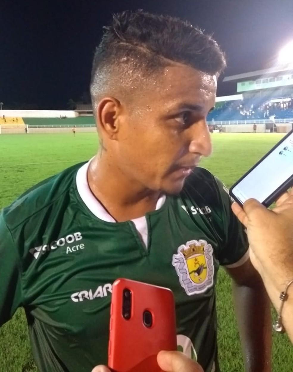 Radames marcou o gol de empate aos novo minutos do 2º tempo — Foto: Kelton Pinho