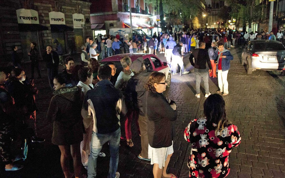 México: Presidente alerta para possibilidade de forte réplica em 24h