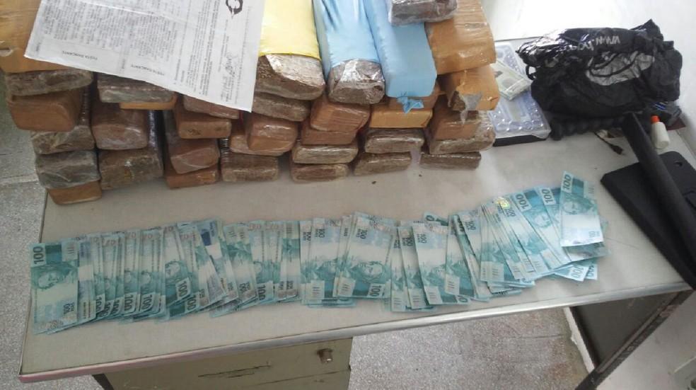 Apreensão de drogas e notas falsas no Sertão de PE (Foto: Divulgação/ PF)