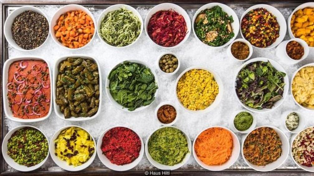 O Haus Hiltl é reconhecido pelo 'Livro dos Recordes' como o restaurante vegetariano mais antigo em atividade contínua do mundo — Foto: Divulgação/Haus Hiltl