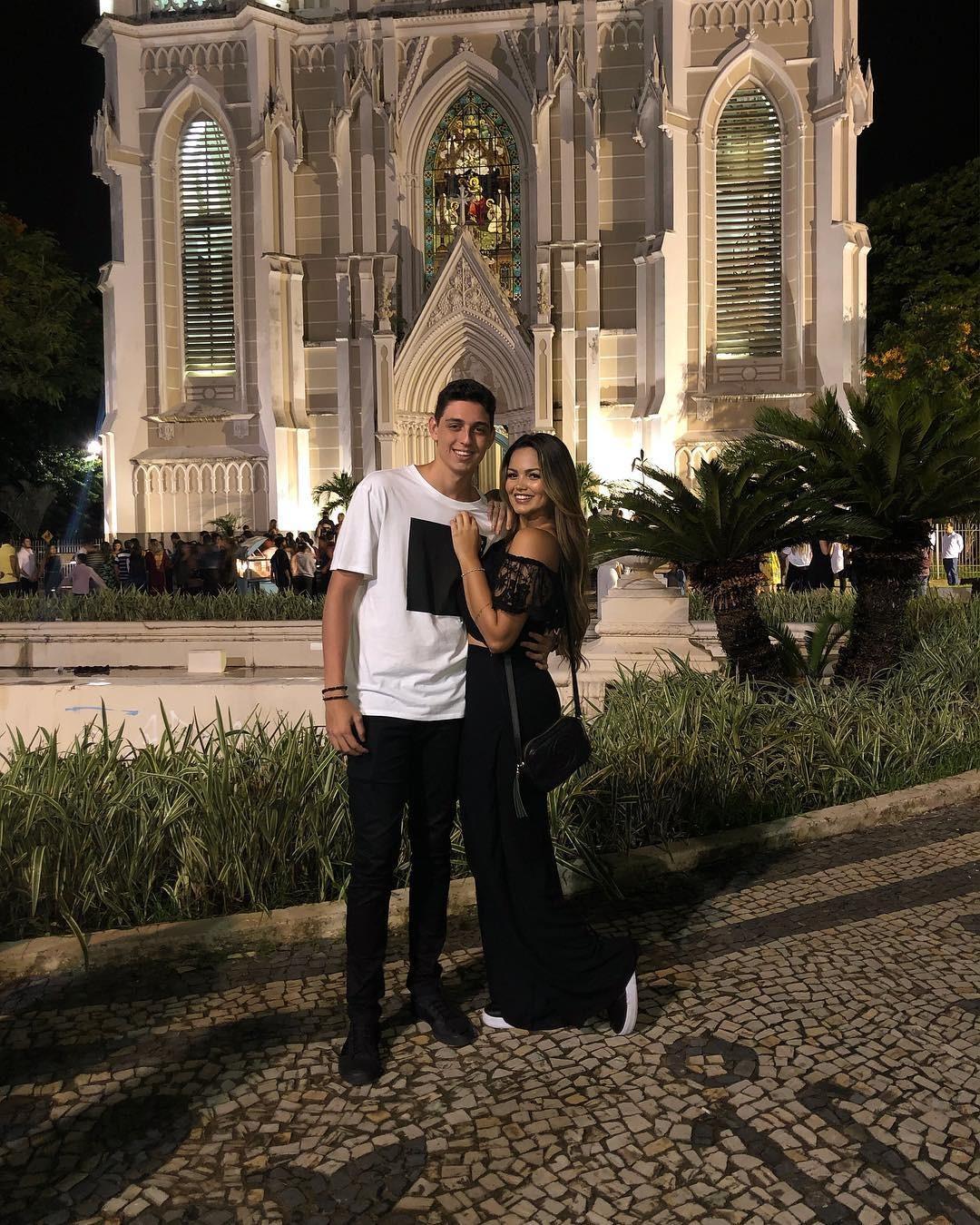 Suzanna Freitas e namorado (Foto: Reprodução)