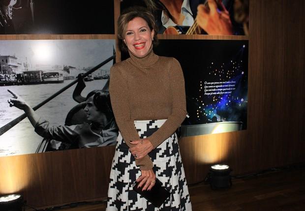 Astrid Fontenelle no Lançamento do livro de Roberto Carlos (Foto: Celso Tavares / Ego)