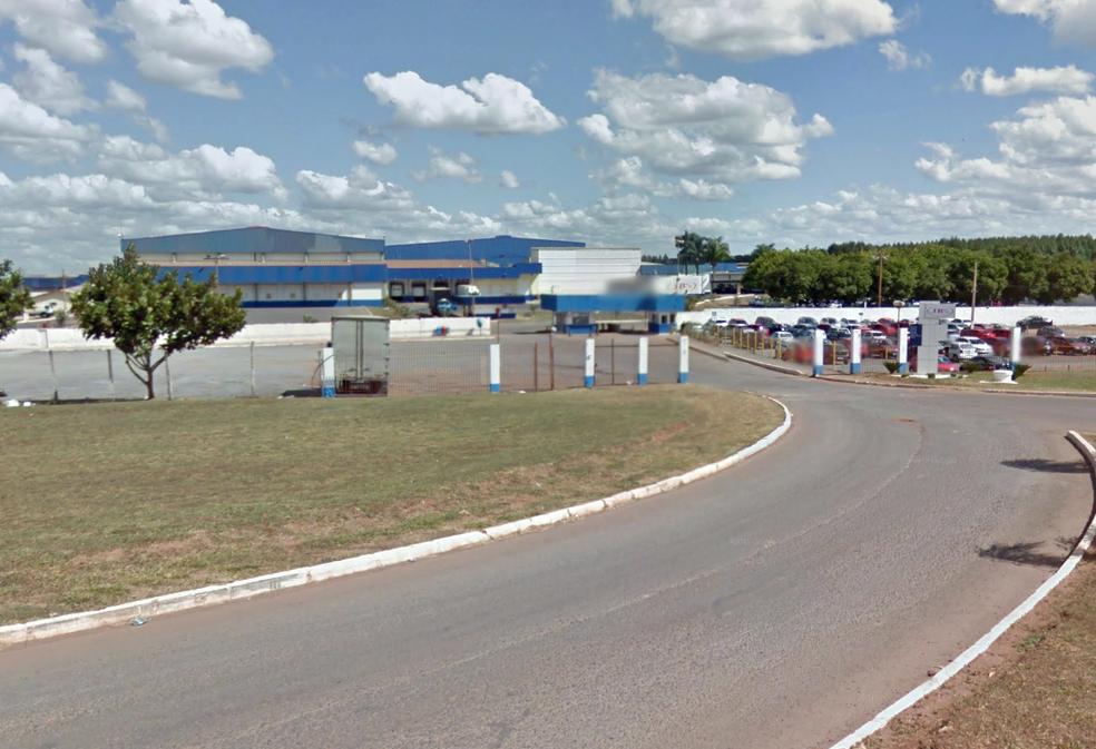 Entrada da JBS em Samambaia, no Distrito Federal (Foto: Google/Reprodução)