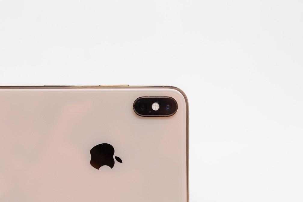 Novos iPhones Xs e Xs Max estão disponíveis em dourado (foto), cinza espacial e prata. — Foto: Marcelo Brandt/G1
