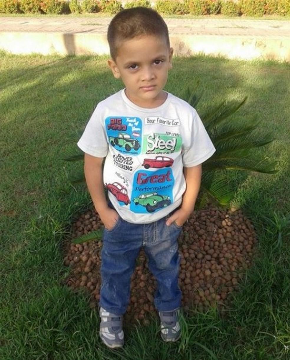 Rhuan Maicon tinha quatro anos quando saiu do Acre com a mãe, segundo avô — Foto: Arquivo da família