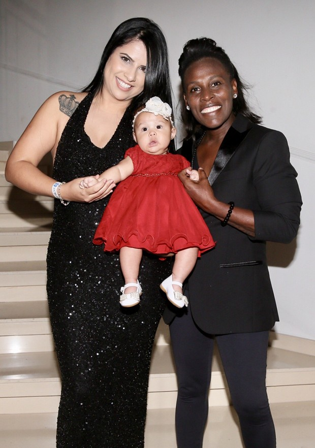 Neném com Thais Oliveira e a filha (Foto: Manuela Scarpa/Brazil News)