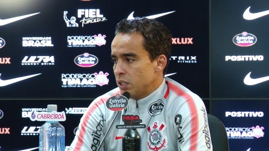 Jadson reduz salário para renovar com o Corinthians; em posição preferida, meia diz que espera render mais