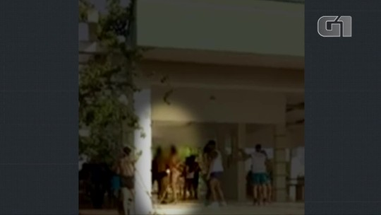 Vídeo mostra estudantes dançando forró só de cueca e calcinha em universidade federal