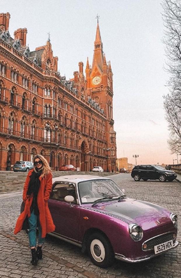 Aline Gotschalg em Londres, na Inglaterra (Foto: Reprodução/Instagram)