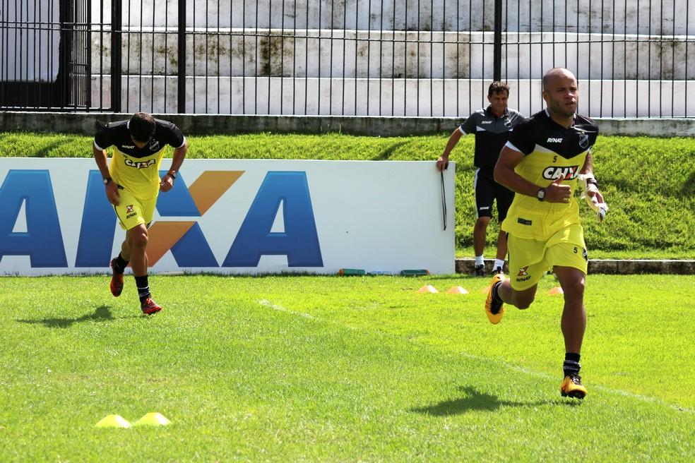 Márcio Passos e Anderson Pedra foram liberados pelo departamento médico e voltam ao ABC contra o Paysandu (Foto: Andrei Torres/ABC)