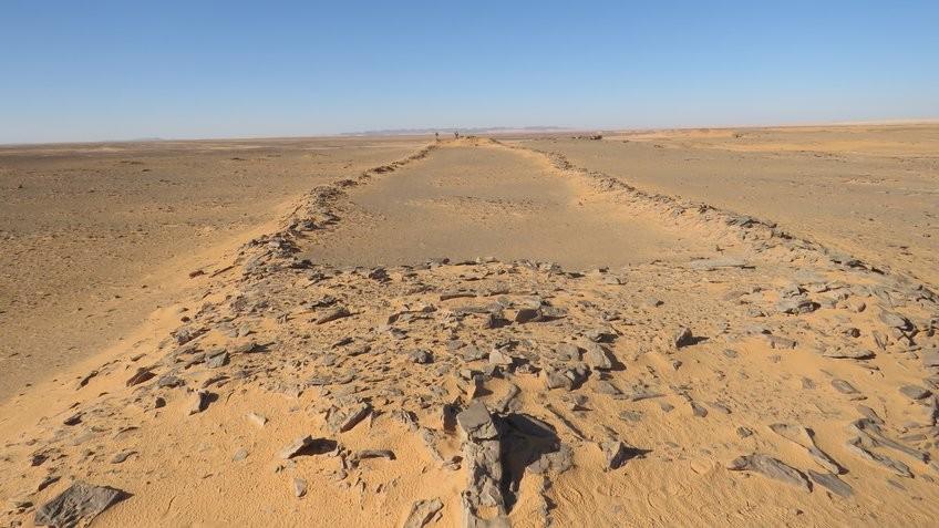 Pesquisa revela detalhes sobre monumentos milenares na Arábia Saudita (Foto: Huw Groucutt)