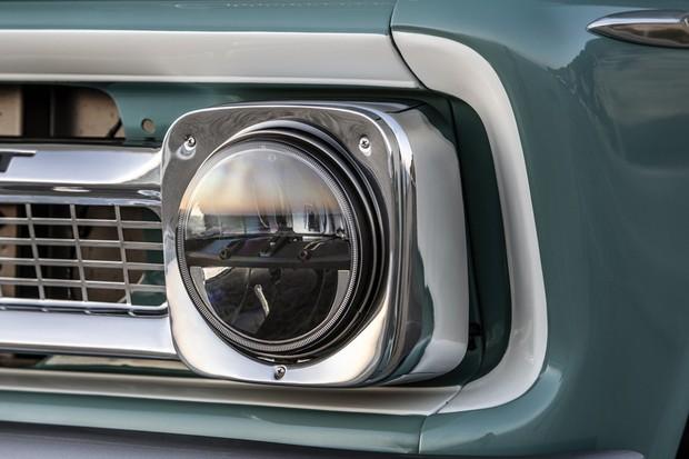 Farol da picape Chevy tem lâmpadas de LEDs (Foto: Divulgação)