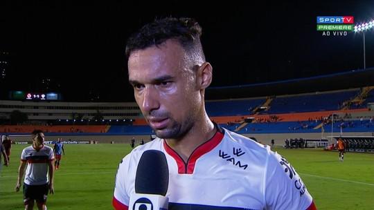 """Gilvan lamenta gol sofrido no fim e chances perdidas pelo Dragão para """"matar o jogo"""" no Serra"""