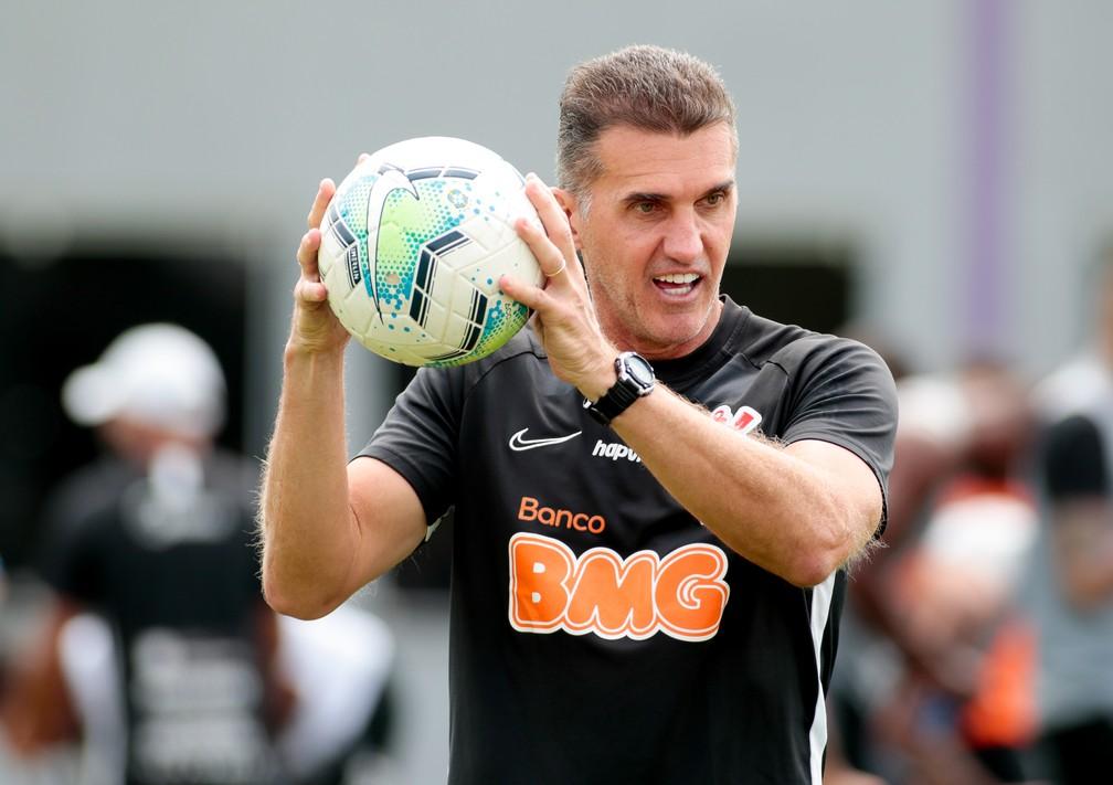 Vagner Mancini em treino do Corinthians — Foto: Rodrigo Coca/Ag. Corinthians