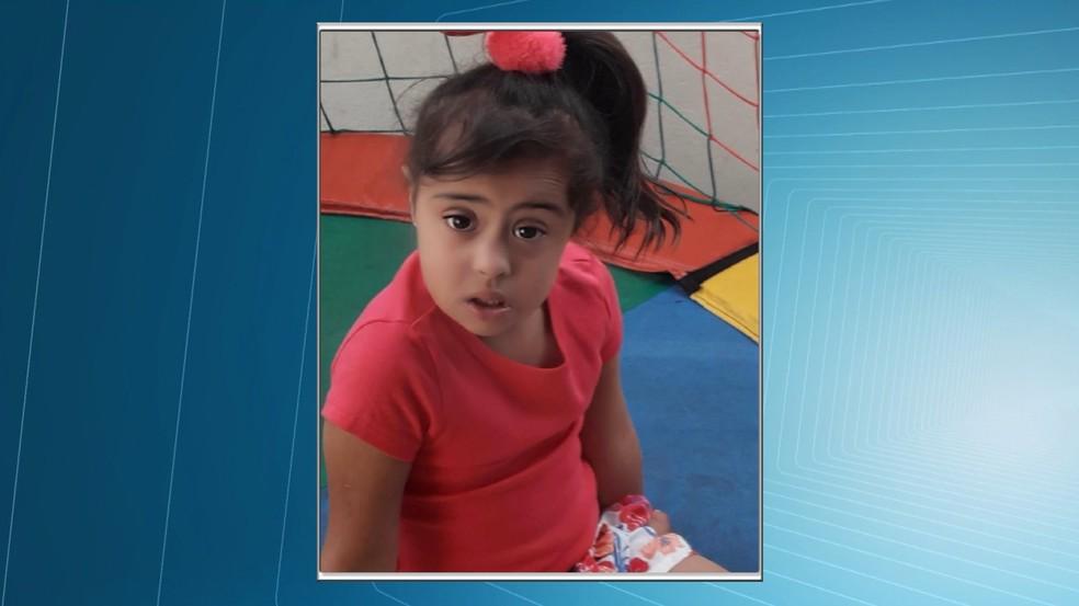 Formatura de menina de 6 anos foi nesta quinta-feira (13) — Foto: Reprodução/TV Integração