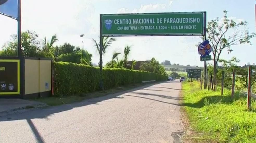 Acidente foi no Centro Nacional de Paraquedismo, em Boituva — Foto: Reprodução/TV TEM