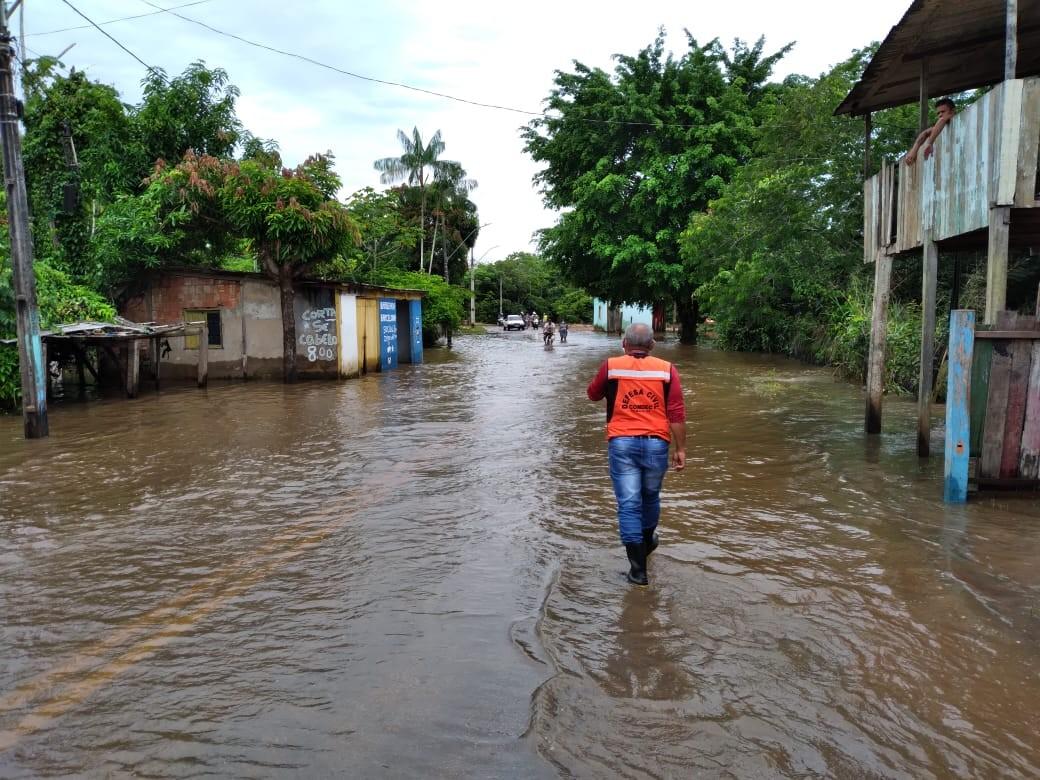 Rio Acre sai da cota de alerta em Rio Branco, mas 240 pessoas ainda continuam em abrigos