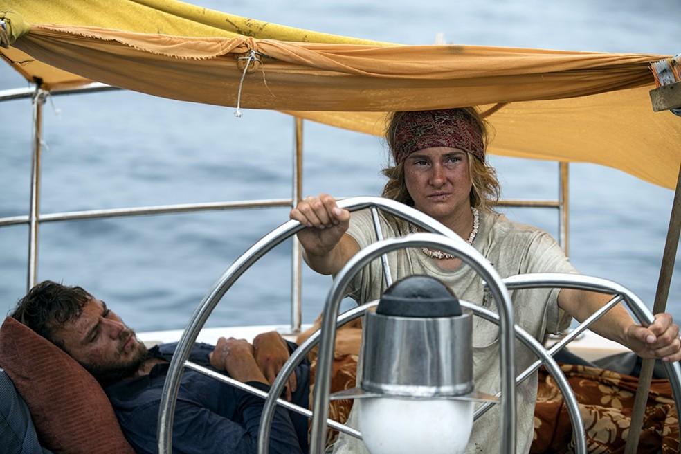 Shailene Woodley e Sam Claflin em 'Vidas à deriva' (Foto: Divulgação)