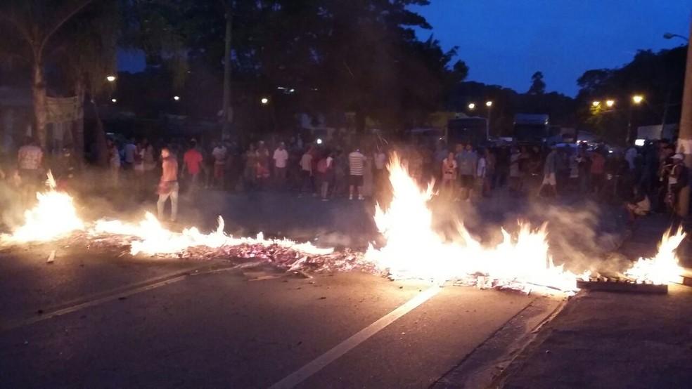 Conhecidos da vítima fizeram manifestação em São Roque (Foto: São Roque Notícias/Arquivo pessoal)