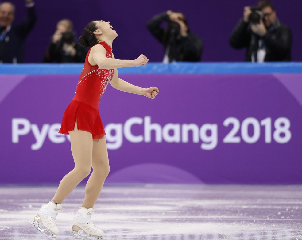 Mirai Nagasu brilha na patinação ao executar com sucesso um Triple Axel (Foto: REUTERS/Damir Sagolj)