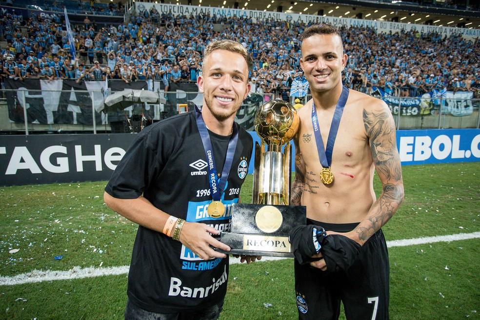 Luan acertou a última cobrança do Grêmio e deixou o campo com marca de arranhão (Foto: Lucas Uebel / Grêmio, DVG)