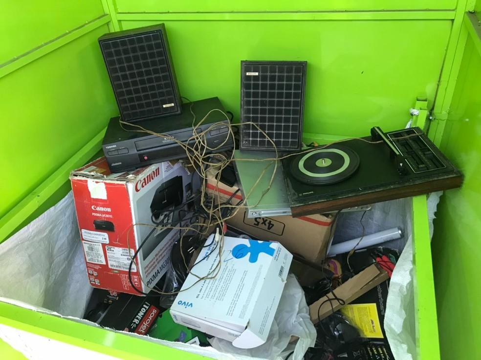 TVs, fios de cobre, plásticos e placas de circuito impresso seguem para reciclagem em Sorocaba— Foto: Nathália Silva/TV TEM